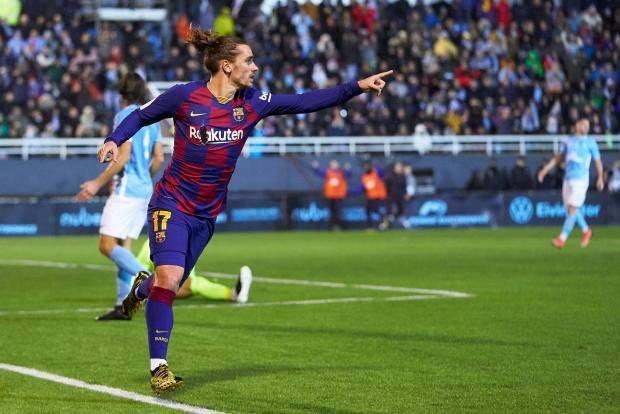 В Кубке Испании «Барселона» с трудом обыграла «Ибицу» из третьего дивизиона за счет дубля Гризманна