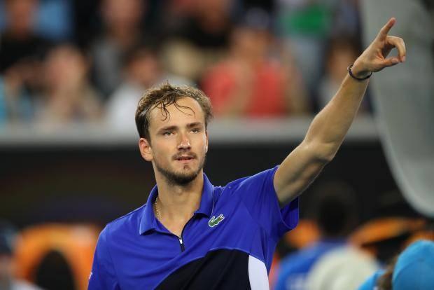 Медведев обыграл испанца Мартинеса и вышел в третий круг Australian Open