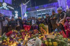 Болельщики «Лос-Анджелес Лейкерс» создали мемориал в честь Кобе Брайанта