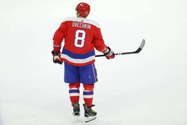 Из-за коронавируса в НХЛ возникли проблемы с поставками клюшек