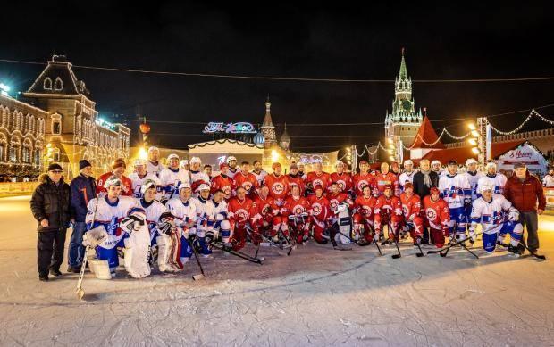 «Легенды хоккея» на Красной площади. В Москве состоялся особый гала-матч