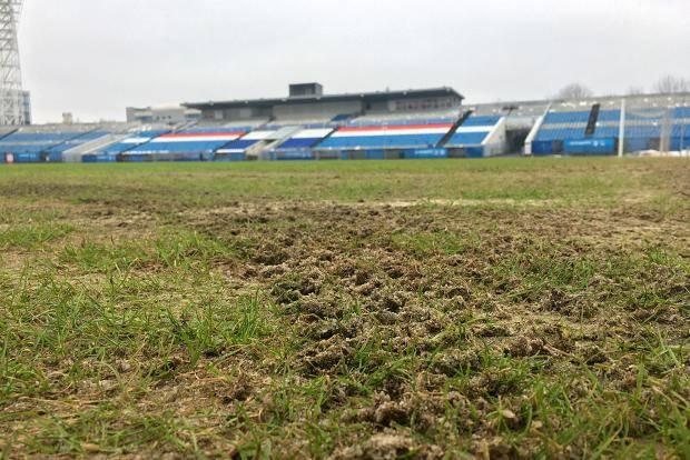 Российский ответ коронавирусу – футбольное поле без травы