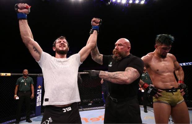 Крылов победил Уокера, Кунченко опять проиграл. Лучшие моменты турнира UFC в Бразилии (видео)