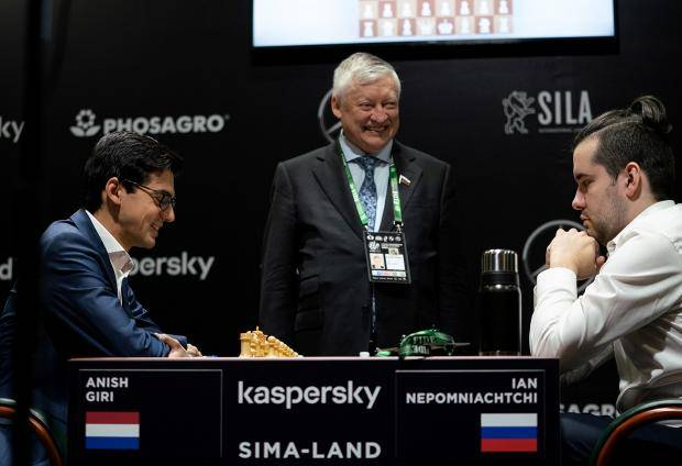 Ян дожал Гири. В Екатеринбурге состоялся первый тур турнира претендентов