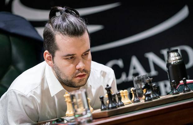 Ян Непомнящий захватил лидерство на турнире претендентов ФИДЕ
