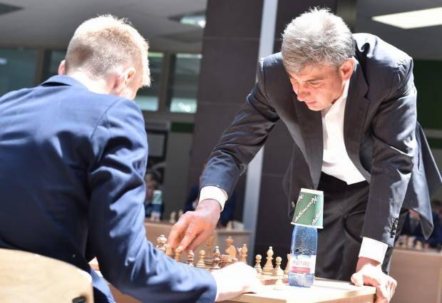 Шахматы вживую без коронавируса со звездами футбола, кино и музыки