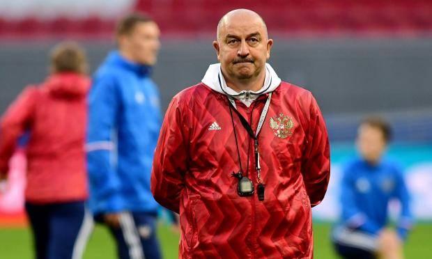 Станислав Черчесов: Кокорина и Мамаева сейчас на сборы не вызвал бы
