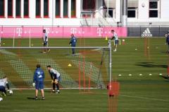 «Бавария» снова тренируется на поле, Левандовски – в строю (фото)