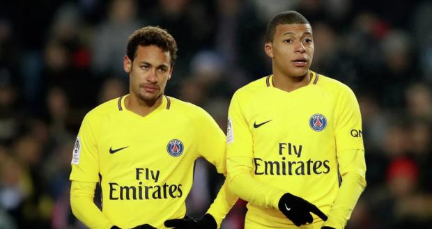 Французы подожгли фитиль под пороховой бочкой европейского футбола