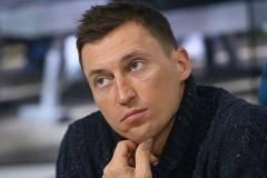«Предлагали перейти в биатлон – отказался». Легков – о карантине, Большунове и Нортуге