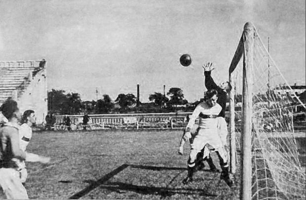 Фашисты не верили своим ушам: «Какой еще город мертвых, если там в футбол играют?»