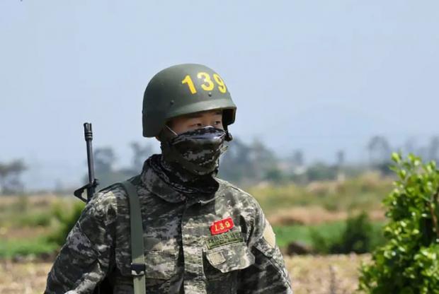 Лучший корейский футболист научился противостоять биологическому оружию (фото)