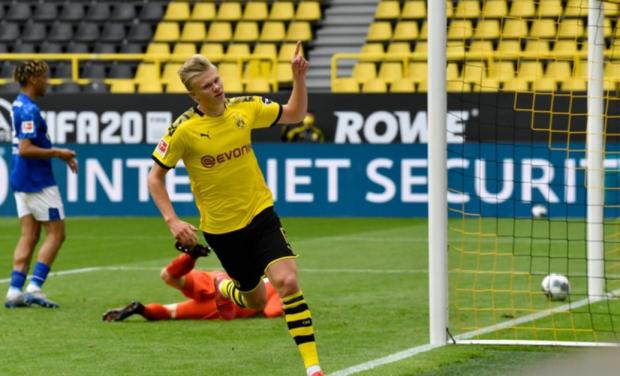 Норвежец Холанд повторил 55-летний рекорд немецкого футбола