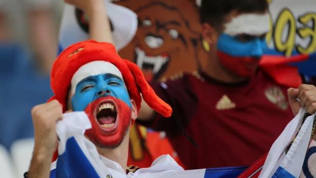 Государство дало добро футболу в России летом со зрителями. Когда матчи, кто болен, кого потеряли