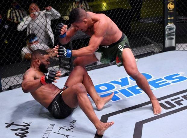 Бернс разнес Вудли, Шевченко проиграла Чукагян. Главные моменты турнира UFC on ESPN 9 (видео)