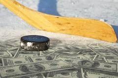 Предлагаю игрокам КХЛ объявить забастовку с лозунгом «Два миллиона – не деньги, требуем – пять!»