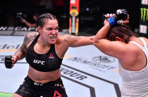 Нуньес уверенно победила Спенсер в главном бою UFC 250