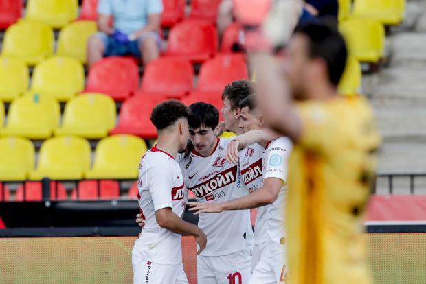 Соболев открыл счет в матче с «Арсеналом», забив первый гол за «Спартак»