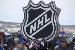 В НХЛ уже 26 инфицированных только среди игроков. Не пора ли отказаться от идеи двух городов-хабов?