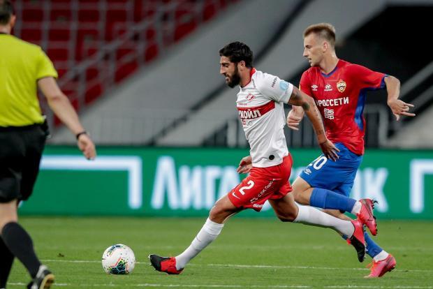 ЦСКА обыграл «Спартак» благодаря дублю Влашича, одержав первую победу в нынешнем году