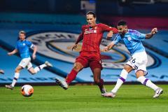 «Ливерпуль» разгромили в Манчестере, Месси задумался об уходе, «Спартак» сыграет без VAR