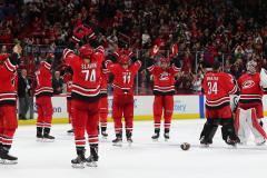 Чем НХЛ отличается от НБА? Доиграть сезон хотят все
