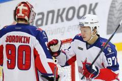 Уехать сейчас в НХЛ – все равно что выстрелить себе в руку