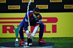 Здесь 10 гонщиков готовы к «Формуле-1». А россиянин претендует на титул