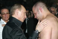 От Федора до Александра. Самые хайповые бои ММА в России