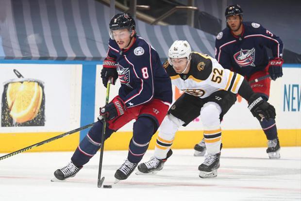 Ловили шайбы сачками для чистки бассейна. Предсезонные матчи НХЛ в Торонто и Эдмонтоне завершены