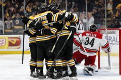В плей-офф НХЛ сошли с ума – играют часами и ночами, потому что судьи не хотят никого удалять