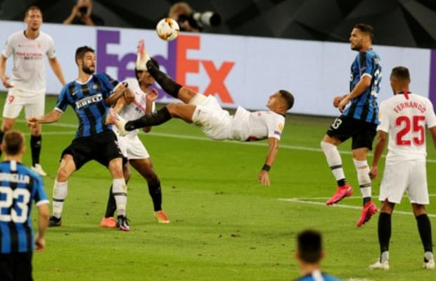 Карлос пробил через себя – Лукаку подправил в свои. «Севилья» победила «Интер» в финале Лиги Европы