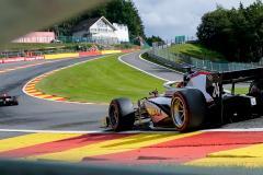 У россиянина украли победу. Как Мазепина лишили первого места в гонке «Формулы-2»