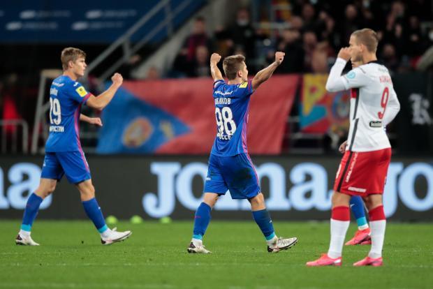 ЦСКА почти догнал «Спартак», «Ротору» не дали выйти на поле, «Тампа» в шаге от финала