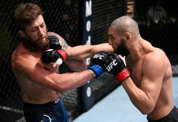 Американец улетел в глубочайший нокаут за 17 секунд. Чимаев вновь легко побеждает в UFC (видео)