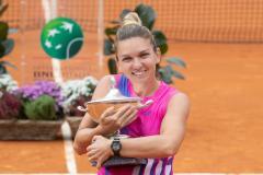 Халеп выиграла турнир в Риме, Плишкова снялась по ходу финала