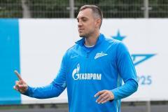 РФС признал офсайд у Дзюбы, «Краснодар» победил ПАОК, КХЛ превращается в рассадник коронавируса