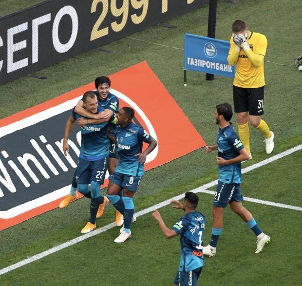 Дзюба с Азмуном забили пять голов «Уфе», «Спартак» впервые победил «Тамбов», Худобин спас «Даллас»