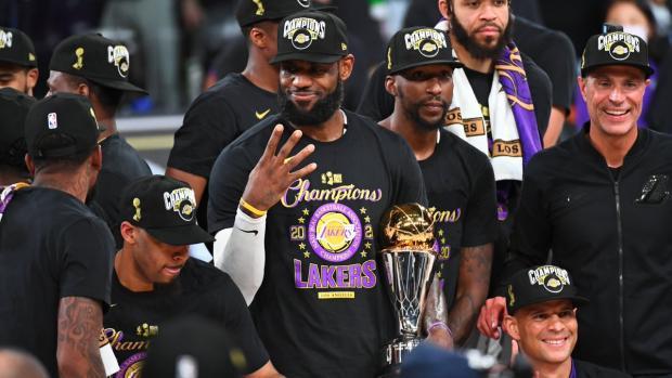 В 35 Леброн ягодка опять. «Лейкерс» в 17-й раз стал чемпионом НБА