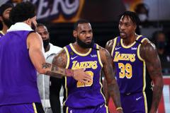 Политика губит НБА? Почему рухнули рейтинги главной баскетбольной лиги мира