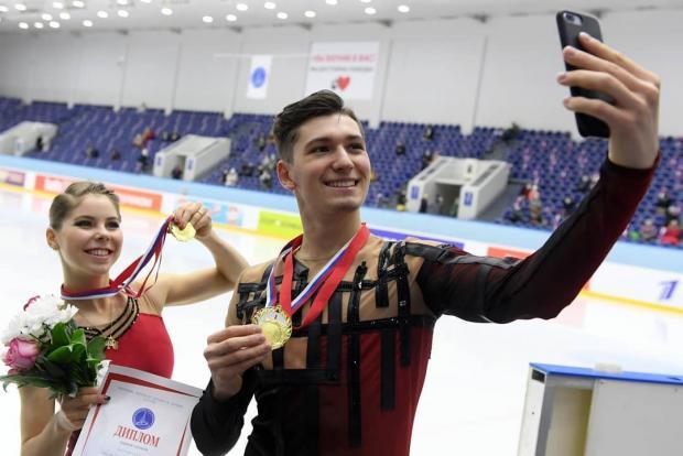Queen побеждает COVID. Фигуристы справились с болезнью и достойно выступили на Кубке России