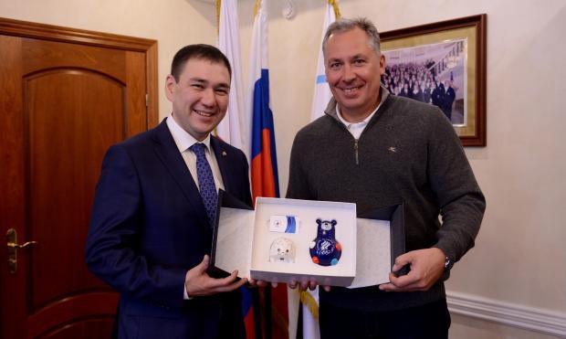 Станислав Поздняков встретился с президентом МКИ «Дети Азии» Владимиром Максимовым