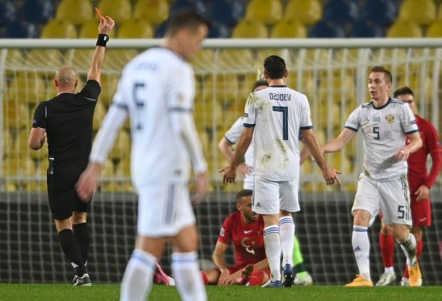 Сборная России в меньшинстве уступила команде Турции в Лиге наций