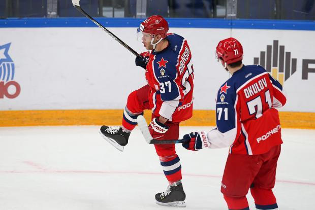 Армия тормознула «Локомотив», Аскаров вышел и победил. ЦСКА упрочил лидерство на Западе