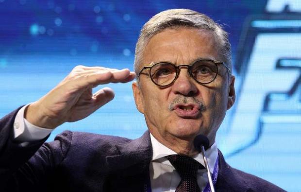 Европа давит на Фазеля. От президента ИИХФ все настойчивее требуют перенести ЧМ из Минска