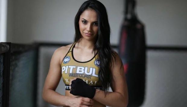 Девушка дня. «Королева насилия» Ариане Липски из Бразилии, которая дерется в UFC