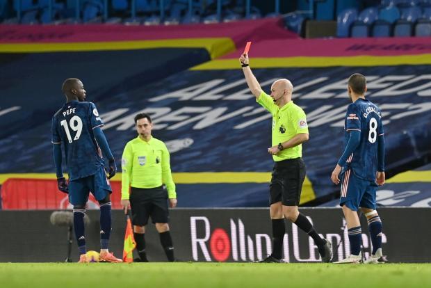«Арсенал» и «Лидс» осудили оскорбления фанатов в адрес Пепе и Алиоски