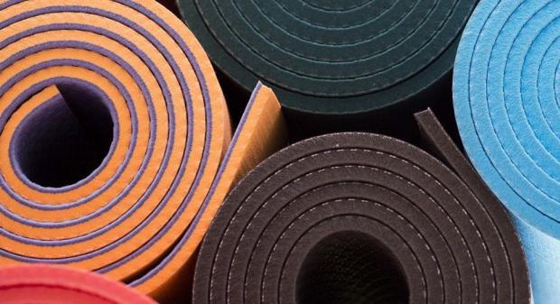 Как выбрать коврик для занятий спортом?