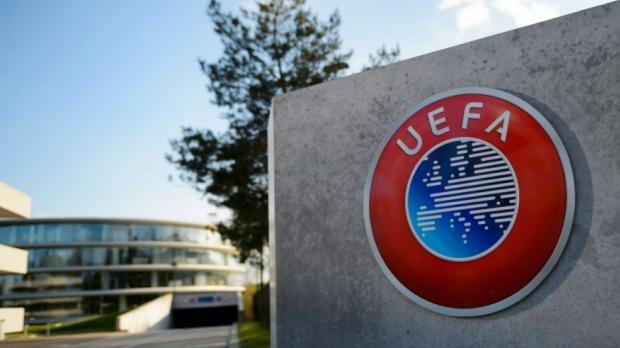 Россия рискует через неделю опуститься на 8-е место в рейтинге УЕФА. Помочь может Миранчук