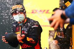 Тройной удар Цуноды. Японец почти наверняка лишил Квята места в «Формуле-1»